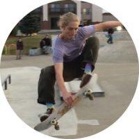 si white skateboarding